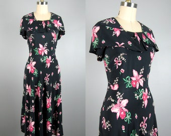 Vintage 1940s Navy Rayon Dress with Pink Flower and Bow Print Size M 29 Waist