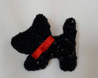 beaded dog brooch, accessory for women