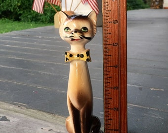 Cat figurine, vintage cat, vintage kitty figurine, kitschy cat figurine