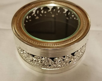 Round silver plated glass lid trinket ring box