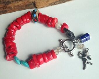 50 % Rabatt rot Corral, gemischte Perlenarmband, Howlith, Lapid, tibetischen Gebets Perle, Amor, Süßwasserperlen,