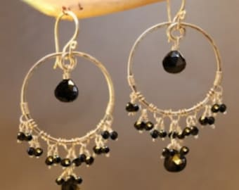 Hammered hoops with black spinel and garnet Siren 155