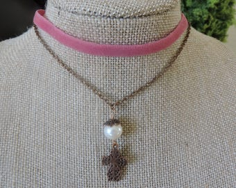 "1/4"" pink velvet choker with drop down chain and cross pendant with pearl"