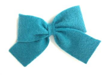 Teal felt hair bow - felt bows, hair bows, girls bows, baby bows, girls hair bows, felt hair bows, baby hair bows, bows, toddler hair bows
