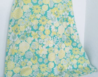 1970's Lilly Pulitzer Skirt ~ Floral print ~ Liza by Lilly Pulitzer sz 9/10 Junior Size
