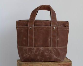 small handle bag with Waxed canvas - acorn