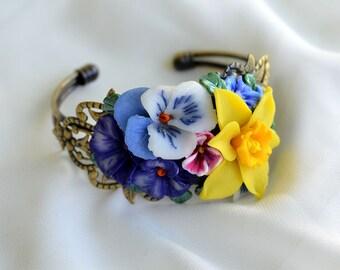 Hand made Spring flowers on romantic,retro,elegant bracelet