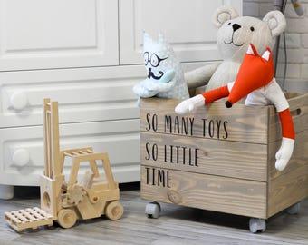 "Wooden toy box on wheels ""Hoorn"" 40x30x30"