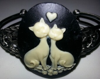 Cat, Cat cameo, Retro cat,retro kitty, kitty, cat cuff, ready to ship, gifts for her, cat bracelet, retro, cat gift, crazy cat lady