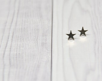 eco-friendly sterling silver star studs