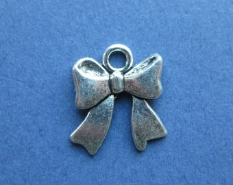 10 Bow Charms - Bow Pendant - Silver Bow Charm - Antique Silver - 13mm x 14mm -- (No.56-10139)