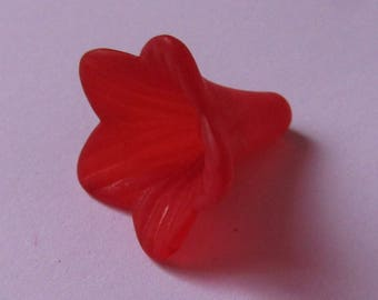 set of 2 acrylic flower beads 21mmx21mm red
