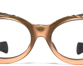Vintage eyewear. Made in France 1950's. WoW! Fabulous artistic design! Very unique! High quality! Great condition! Midcentury delight!