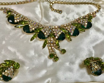 Sale Vintage Princess Pride Creations Set Necklace Earrings