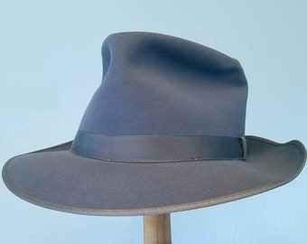 Beautiful NOS 1950s fedora, size 7 1/2