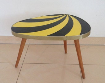 Black and yellow triangle table, striped flower stool, table-shaped shape, 60s DDR side table