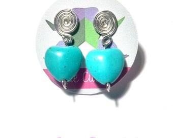 Boucles d'oreille pin avec un coeur de Turquoise