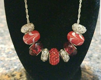Red and White Swirl Beaded Necklace