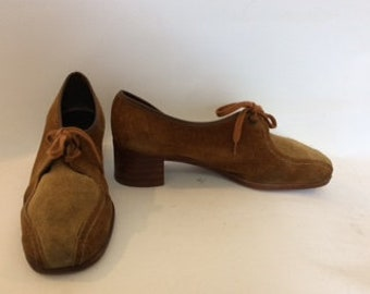 Vintage shoes 60s  SloopersMade in England tan beige Leather suede lace up court shoes  size UK 7  EU 40  US 9