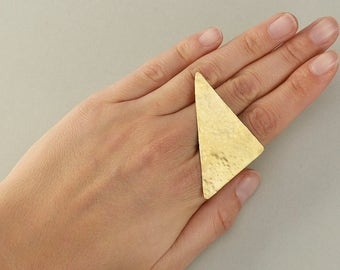 Large triangle ring, geometric band, hammered jewelry, brass jewelry, multi finger ring, contemporary ring, brutalist jewelry, dramatic ring