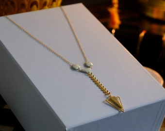 Arrow necklace in 16K gold plated brass