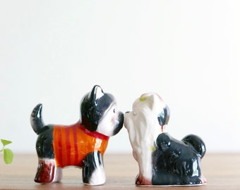 Vintage ceramic salt and pepper shakers : dogs, 1970s / Yorkshire, love, lovers, kitsch
