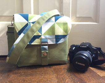 geometric modern camera bag // pea green and navy blue dslr messenger bag // padded with adjustable strap // READY TO SHIP