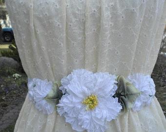 Bridal White Pleated Ribbon Flower Hatband Sash