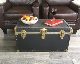 Vintage Storage Trunk, Footlocker, Coffeetable Trunk, Dorm Room Storage with Tray