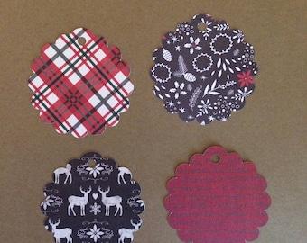 "20 - 2 1/2"" Scalloped Circle   Christmas Gift Tags  T12"