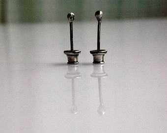 Sterling silver tiny 2,5mm stud.post earrings