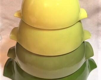 Pyrex Verde 4 Cinderella Bowls Set
