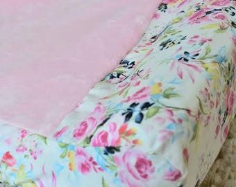 Floral Changing Pad Cover, Contoured Changing Pad Cover, Vintage Floral Changing Pad Cover, Girl Changing Pad Covers, Vintage Nursery