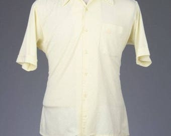 ON SALE Vintage 80s Oleg Cassini Yellow Button Down Short Sleeve Shirt Mens L