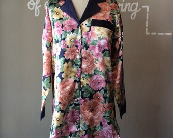 1980's Floral Button Up Tunic / 80s Fleece Lined Smoking Jacket / 1980s Nightgown / 80's True Vintage Pyjamas / Novelty Print Lounge Robe