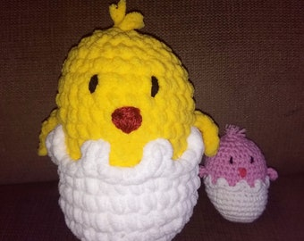 Hatching chick or bird plush crochet toy