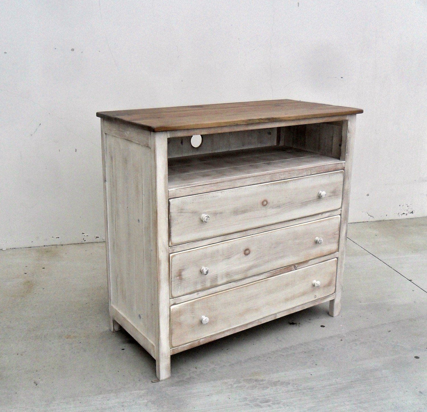 drawer villa zm drawers product crossing furniture havana media chest virginia five stanley finca with white casual