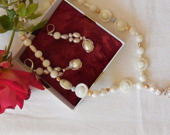 Pink and White Pearl Jewelry set.