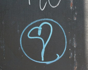 Blue Heart Graffiti, photograph