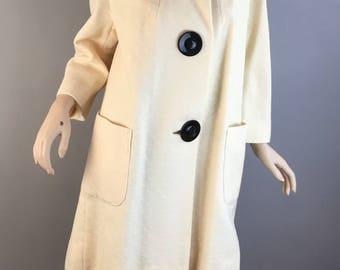 Vintage 60s Swing Coat// Oversized Button Coat// Vintage 60s Coat (F1)