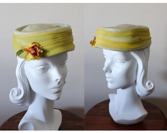 1960s Hat / Vintage Jacobson's Chartreuse Ombre Pillbox Hat