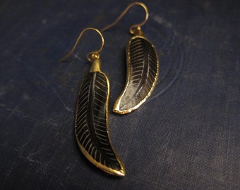 Feather earrings Gold,Gold Feather Earrings,Carved Feather Earrings,Feather Jewelry,Tribal Jewelry,Tribal Earrings,Tribal Feather,Gold Edged