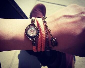 Salmon cabochon bracelet
