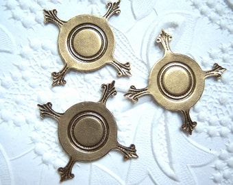 3 - Antiqued brass Closed back 16mm pronged settings - RS99