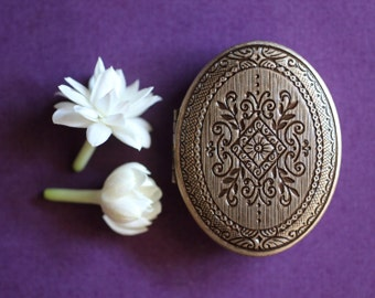 Chiaroscuro, an intoxicating dark jasmine natural solid perfume in a luxe mini compact - A little luxury. Bridemaid and wedding party gift