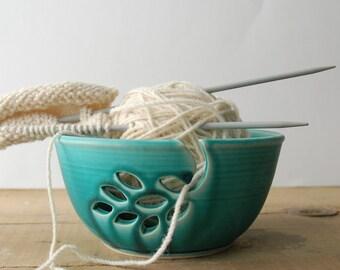 ceramic yarn bowl, oakleaf crochet bowl,  pottery wool bowl, wheelthrown yarn bowl, knitter's bowl, unique yarn bowl, gift for knitter
