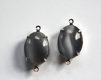 Vintage Gray Moonglow Glass Stone in 2 Loop Silver Setting ovl004AA2