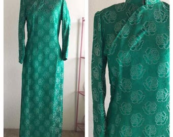 "Vintage 60s 70s Cheongsam Long Sleeve Dress | Green Floral Roses Chinese Mandarin Collar  30"" Waist | Medium"