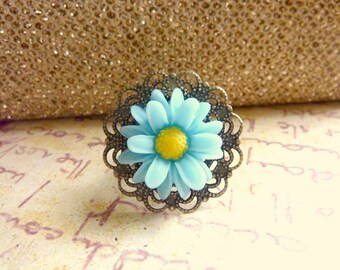 Blue flower ring Vintage ring sky blue daisy adjustable bronze filigree ring blue and yellow