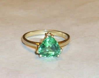 14 k gold Triangle Faceted Peridot   Ring